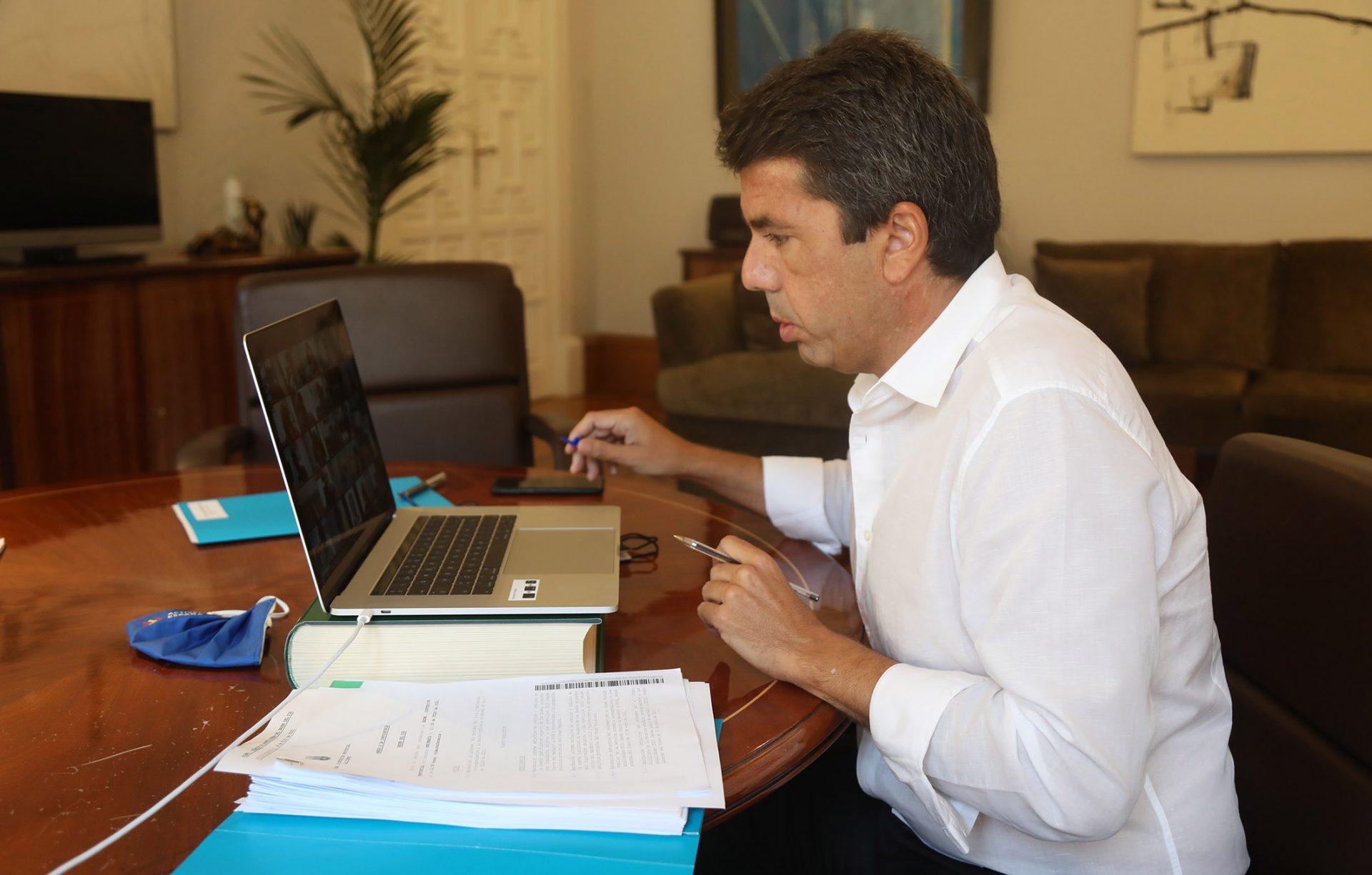 El presidente de la Diputación de Alicante pide el fin del «ninguneo» del gobierno.