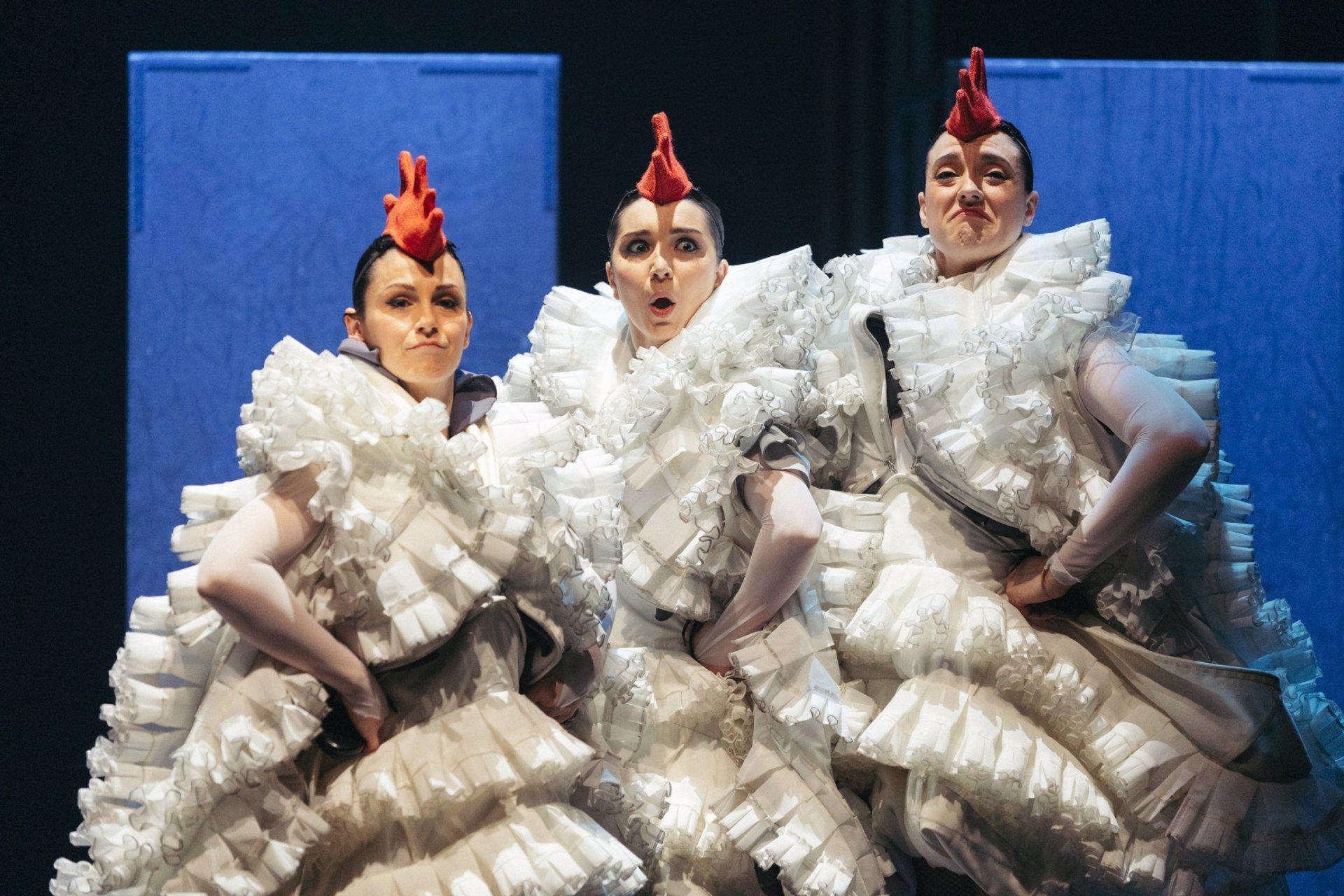 El IVC levanta el telón del Arniches de Alicante con un espectáculo de danza en femenino para toda la familia