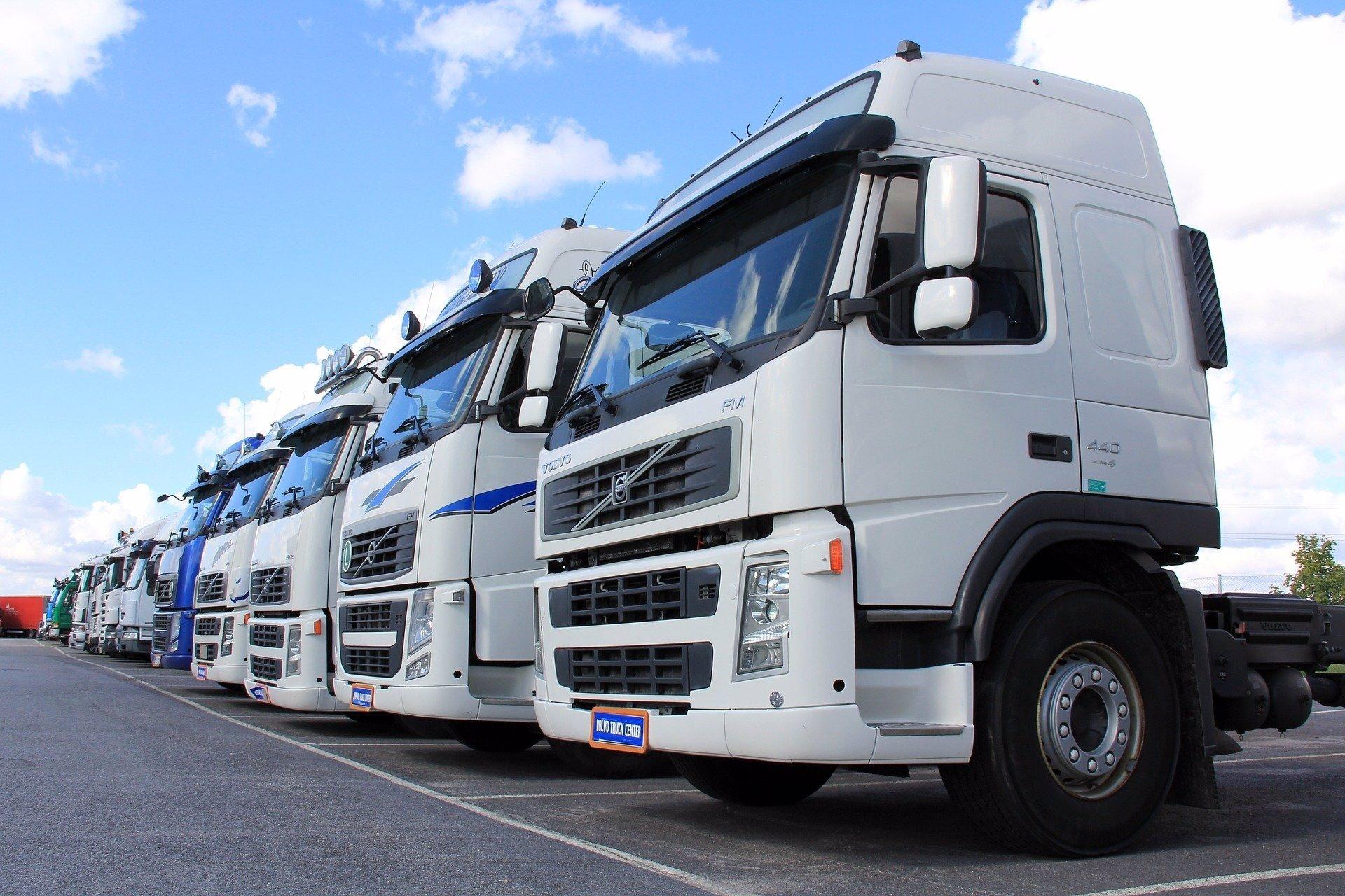 Los transportistas valencianos se muestran «muy enfadados» con el plan para aplicar peajes en las autovías