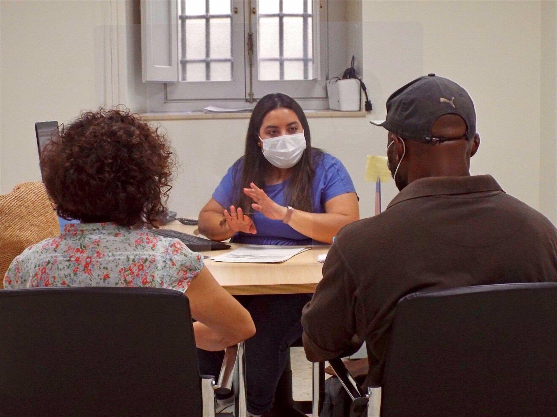 Cáritas se plantea la vía judicial tras no responder Vivienda a una queja ante el Síndic por la forma de acceso a ayudas