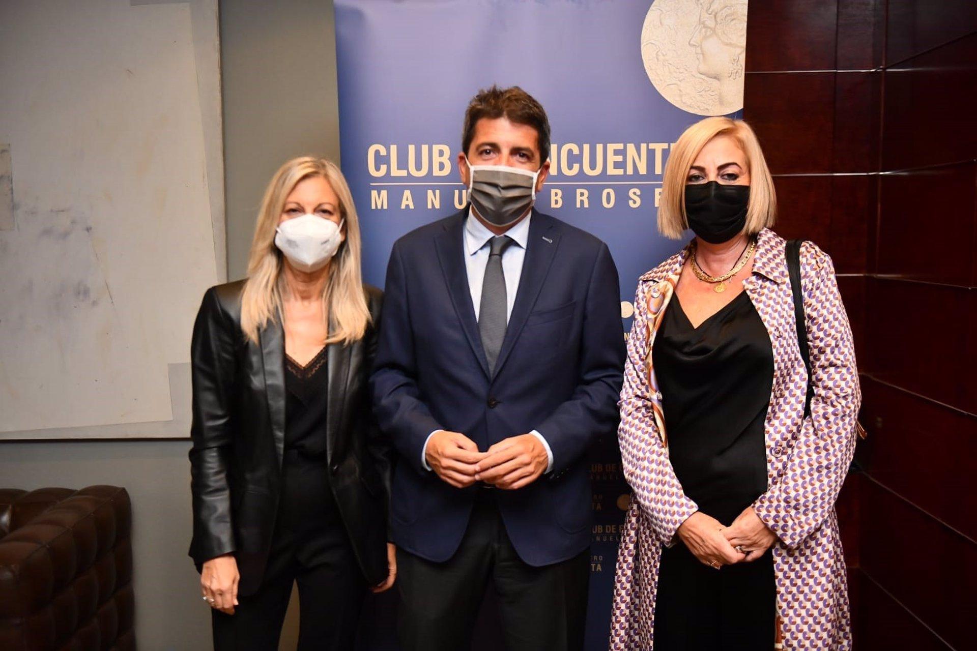 Mazón pide «prudencia» tras los procesamientos del 'pitufeo' e insiste en la «grandísima labor» de Rita Barberá